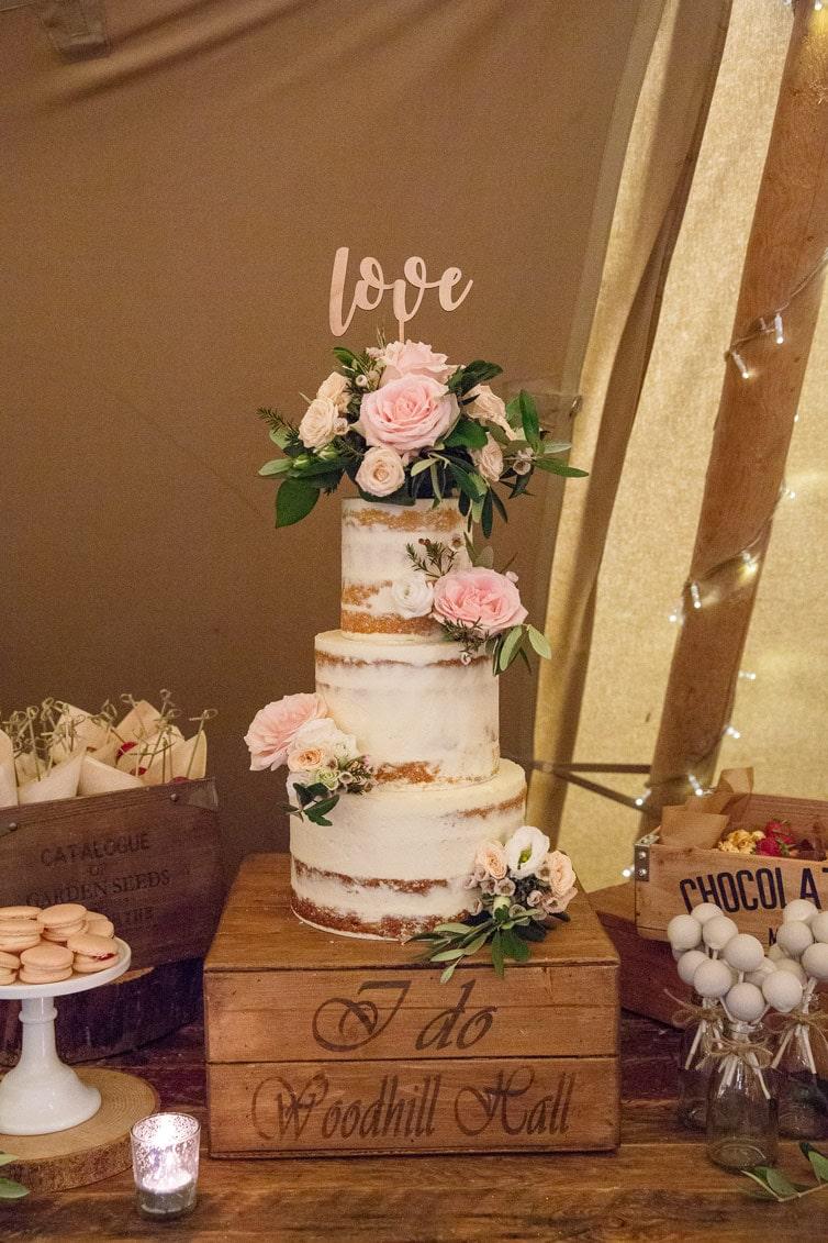 Photo of wedding cake