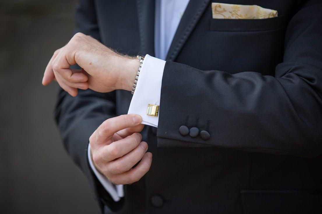 Photo of the grooms cuff links